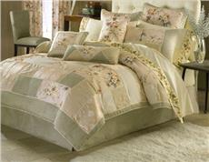 SAVOIR FAIRE Bedding Ensemble by Croscill | By DomesticBin