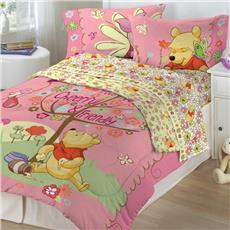 Winnie the Pooh- Cheerful Friendly Bedding | By DomesticBin