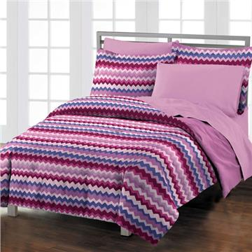Blackberry Chevron Comforter Set | By DomesticBin