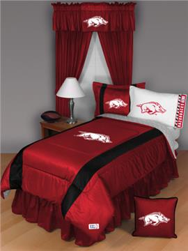 Sidelines ARKANSAS RAZORBACKS Bedding | By DomesticBin