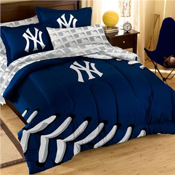 Yankee Comforter Set with Shams | By DomesticBin